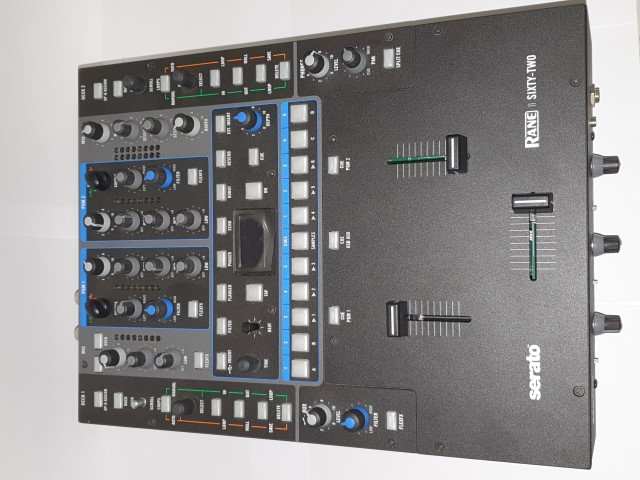 Table de mixage Rane sixty-two